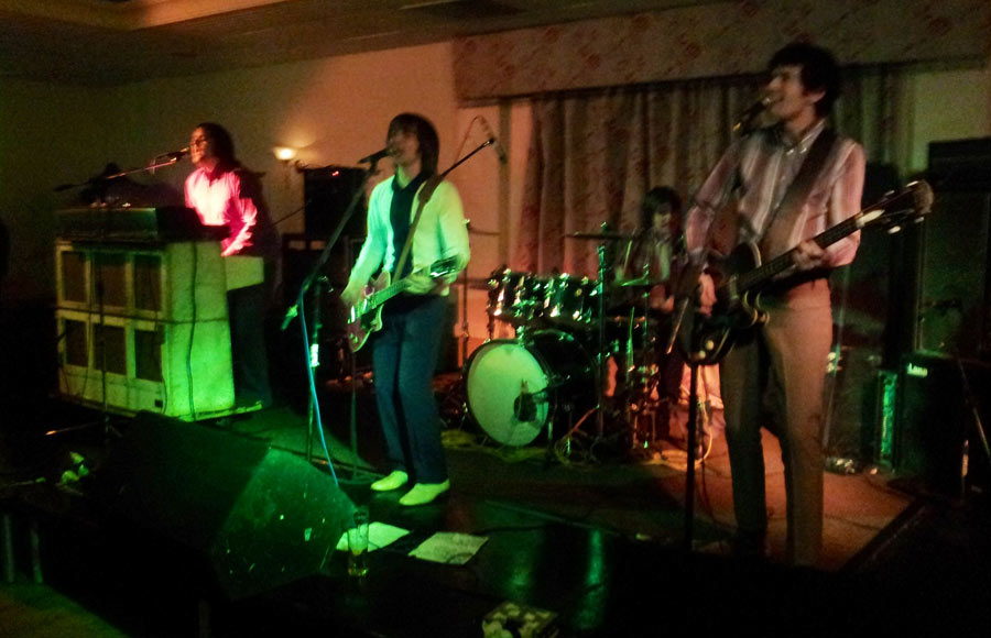 Small Faces Tribute Small Fakers On Stage In Essex